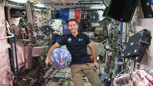 Thomas Pesquet s'exprime lors d'une conférence de presse en direct de la Station spatiale internationale, mercredi 23 novembre 2016. (ESA)