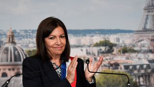 La maire socialiste de Paris, Anne Hidalgo, le 3 juillet 2020 à la mairie de Paris. (BERTRAND GUAY / AFP)
