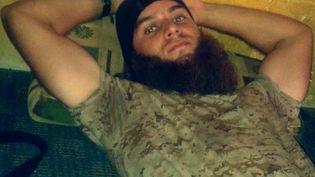 Photo non datée de Mickaël Dos Santos, publiée sur son compte Twitter au nom d'Abou_Uthman_2.  ( DR )