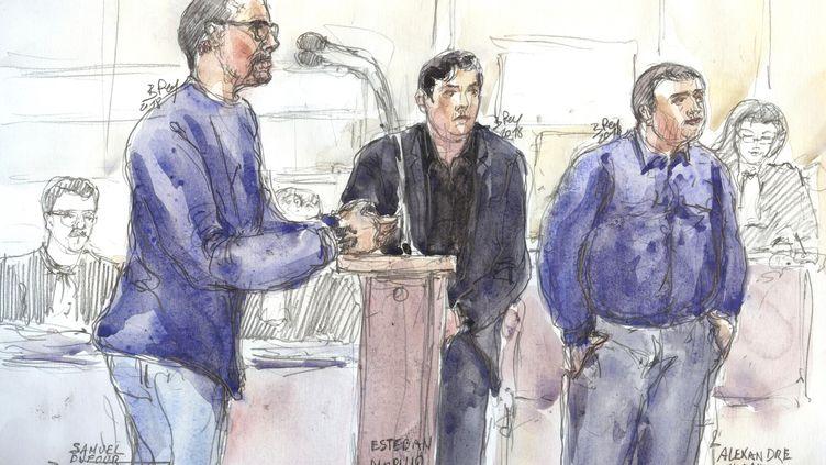 Samuel Dufour, l'un des trois principaux accusés dans la mort de Clément Méric, s'explique à la barre, au palais de justice de Paris, lors de l'ouverture du procès, le 4 septembre 2018. (BENOIT PEYRUCQ / AFP)