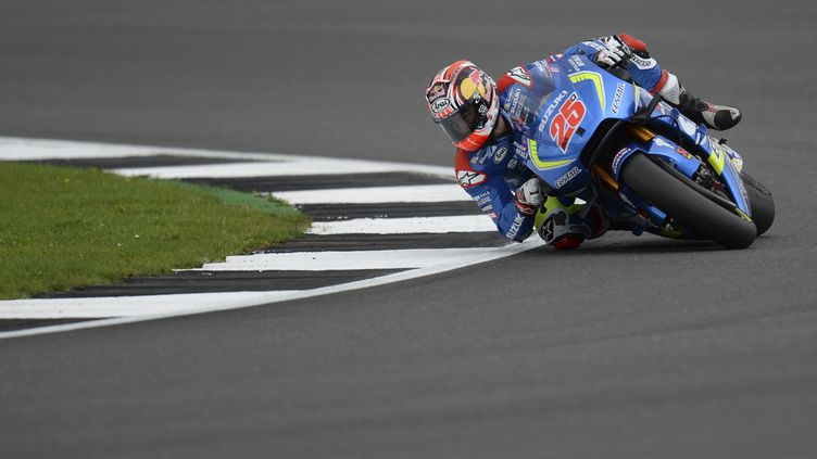 Maverick Vinales sur sa Suzuki (OLI SCARFF / AFP)