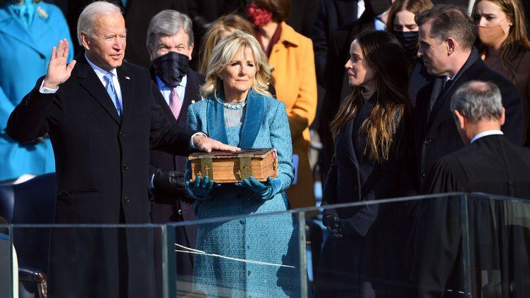 Le démocrate Joe Biden prête serment pour devenir le 46e président des Etats-Unis à Washington, le mercredi 20 janvier 2021. (ROBERT DEUTSCH-USA TODAY/SIPA US/SIPA / SIPA USA)