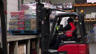 L'entreprise alsacienne Abédis n'a pas pu écouler ses stocks de boissons à cause de l'épidémie de Covid-19. (FRANCEINFO)