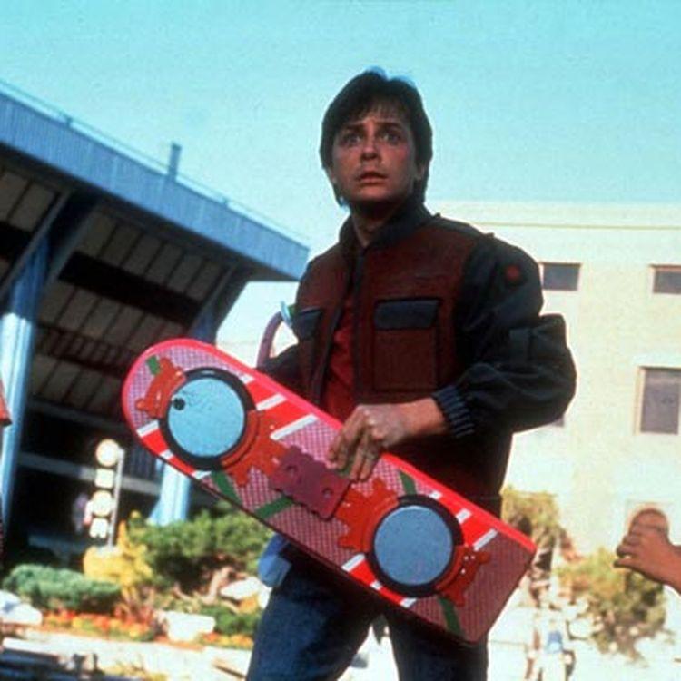 """Marty McFly (joué par Michael J. Fox) dans le deuxième opus de la saga""""Retour vers le futur"""", sorti en salles en 1989. (UNIVERSAL PICTURES)"""
