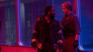 "John David Washington et Robert Pattinson dans ""Tenet"" de Christopher Nolan. (Copyright 2020 Warner Bros. Entertainment, Inc. All Rights Reserved. / Melinda Sue Gordon)"