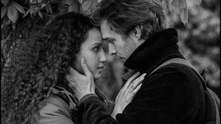 """Luc (Logann Antuofermo) et Djemila (Oulaya Amamra)promettent de se retrouver dans """"Le sel des larmes"""", le nouveau film de Philippe Garrel. (Ad Vitam)"""