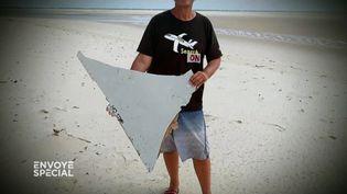 Vol MH370 : de nouveaux débris de l'avion découverts à Madagascar ? (COMPLÉMENT D'ENQUÊTE / FRANCE 2)