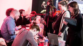 Auteurs en dédicace - Salon du livre et de la presse jeunesse de Montreuil (2016)  (Eric Garault)
