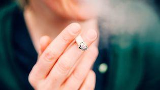 Le tabac a été responsable de plus de 68 000 nouveaux cas de cancer en France en 2015, selon une étude du Centre international de recherche sur le cancer. (OLIVER HELBIG / EYEEM / GETTY IMAGES)