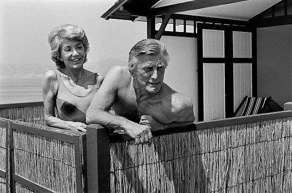 Kirk Douglas et sa femme  (Serge Assier)