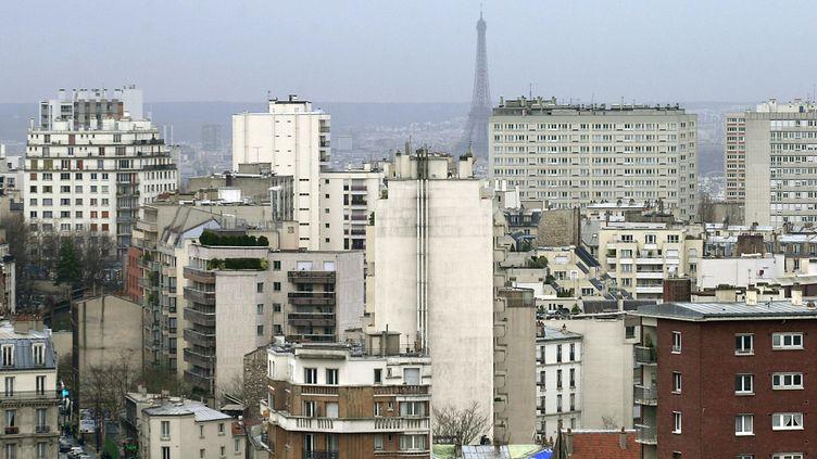 Vue de Paris, en décembre 2001. (MEHDI FEDOUACH / AFP)
