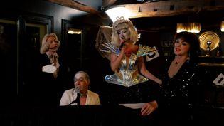 Annie Duperey invitée du cabaret Madame Arthur. (France 3 PIC)