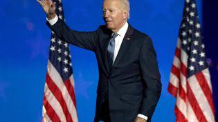 Le candidat démocrate à la Maison Blanche, Joe Biden, lors de sa prise de parole au cours de la nuit électorale après l'élection présidentielle américaine, le 4 novembre 2020 à Wilmington, dans l'Etat du Delaware (Etats-Unis). (WIN MCNAMEE / GETTY IMAGES NORTH AMERICA / AFP)