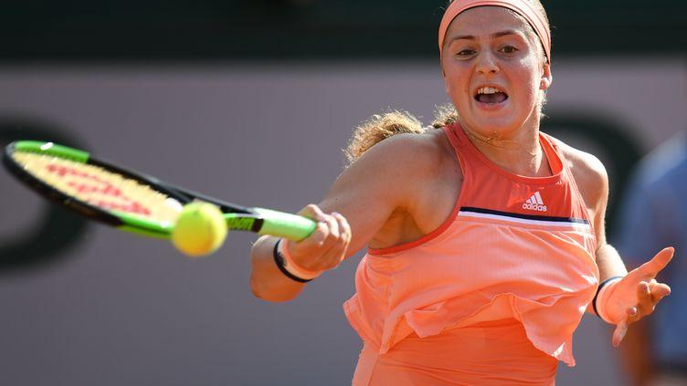 Jelena Ostapenko ne verra pas le deuxième tour (CHRISTOPHE ARCHAMBAULT / AFP)