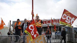 Yvon Scornet, porte parole de l'intersyndicale CGT-CFDT-CFE/CGC de la raffinerie Petroplus dePetit-Couronne (Seine-Maritime), le 6 février 2013. (CHARLY TRIBALLEAU / AFP)
