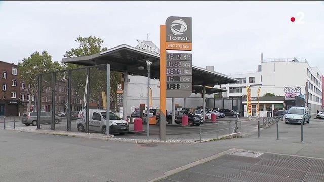 Hausse des prix de l'essence : le chèque-carburant peut-il être une solution viable ?