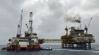Plateforme pétrolière dans le golfe de Guinée. Photo d'illustration. (MARTIN BUREAU / AFP)