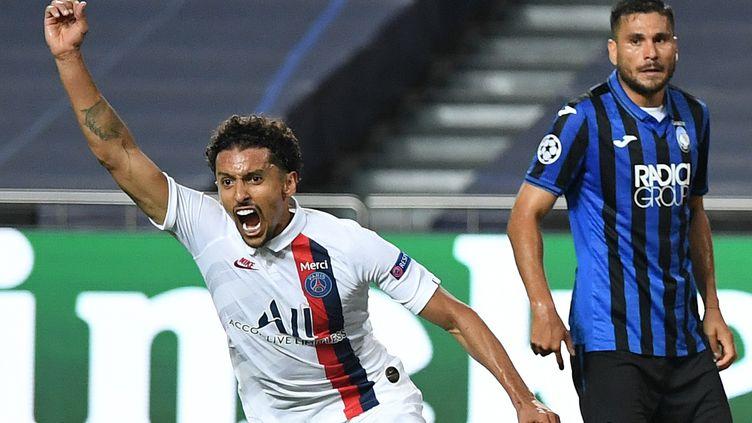 La joie du défenseur brésilien du PSGMarquinhos, initiateur de la remontada le 12 août face à l'Atalante Bergame en quart de finale de la Ligue des champions à Lisbonne (Portugal). (DAVID RAMOS / POOL)