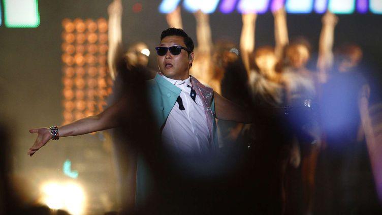 Le chanteur sud-coréen PSY a donné un concert à Séoul, le 4 octobre 2012, devant un public en folie. (HYE SOO NAH / AP / SIPA )