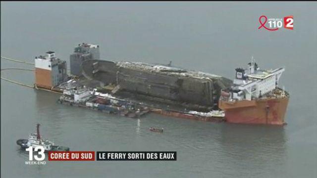 Corée du Sud : trois ans après son naufrage, le ferry Sewol est sorti des eaux