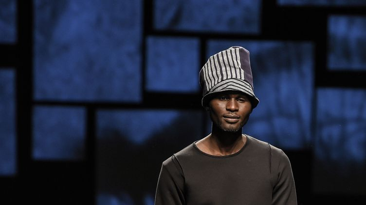 Défilé UMI1, Ethical Fashion Initiative au salon Pitti Uomo, à Florence, janvier 2016.  (ANDREAS SOLARO/AFP)