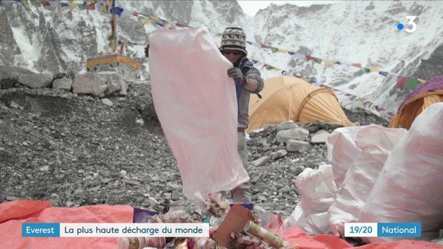 Everest : la plus haute décharge du monde