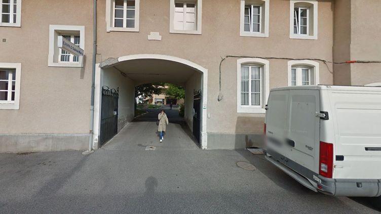 L'entrée de la maison de retraite de Vic-sur-Seille (Moselle), en octobre 2012. (GOOGLE STREET VIEW / FRANCEINFO)