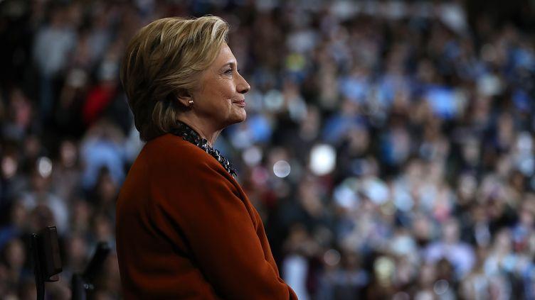 Hillary Clinton lors d'un meeting à Winston-Salem (Etats-Unis), le 27 octobre 2016. (JUSTIN SULLIVAN / GETTY IMAGES NORTH AMERICA / AFP)