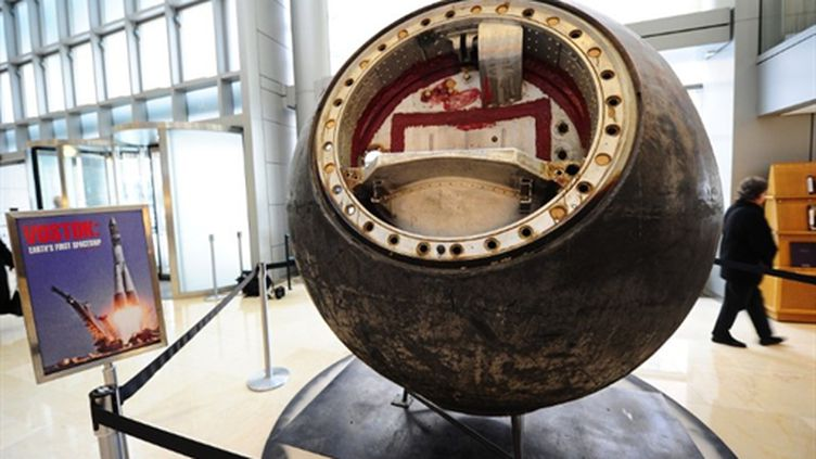 La capsule Vostok 3KA-2 visible chez Sotheby's, à New York, sera en vente le 12 avril 2011. (AFP PHOTO/Emmanuel Dunand)