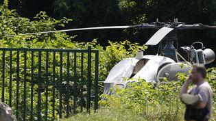 L'hélicoptère utilisé pour l'évasion de Redoine Faïd a été retrouvé brûlé à Gonesse (Val-d'Oise) (GEOFFROY VAN DER HASSELT / AFP)
