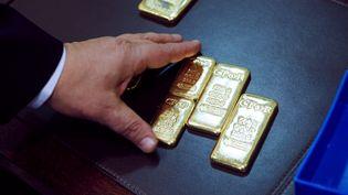 Des lingots d'or, en novembre 2010, à Paris. (THOMAS SAMSON / AFP)
