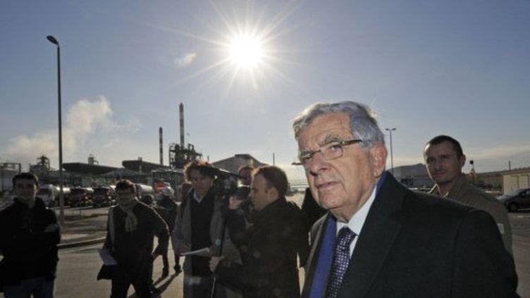 Jean-Pierre Chevènement lors de son déplacement à Fos-sur-Mer (AFP)
