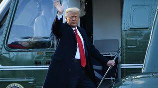 Donald Trump quitte la Maison Blanche (Washington, Etats-Unis), le 20 janvier 2021. (MANDEL NGAN / AFP)