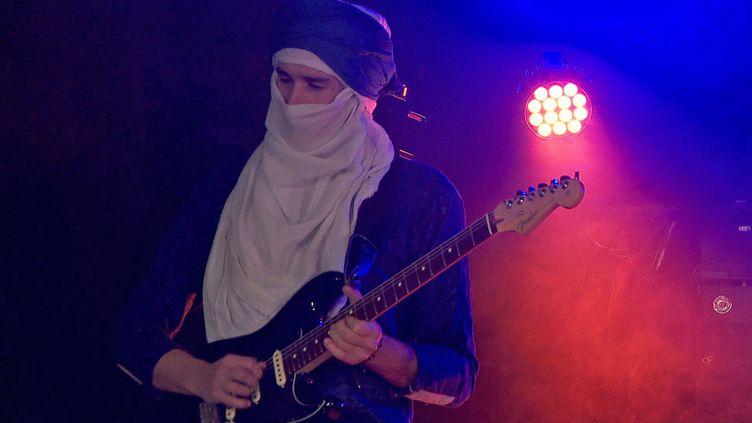 Le concert du groupe Tigadrineenregistrésur le campussera disponible sur les réseaux sociaux del'Université Grenoble-Alpes (France 3 Alpes)