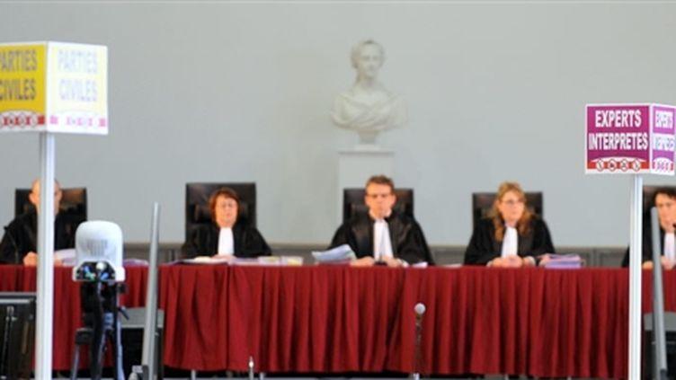 Le Président du tribunal Thomas Le Monnyer orchestre la confrontation des thèses (© AFP - PASCAL PAVANI)