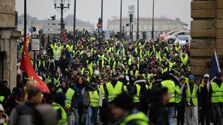"""Des """"gilets jaunes"""" manifestent à Bordeaux (Gironde), le 29 décembre 2018. (THIBAUD MORITZ / AFP)"""
