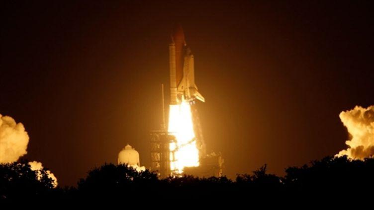 Lancement de la navette Discovery le 28 août 2009 à Cap Canaveral en Floride (Eliot J. Schechter/Getty Images/AFP)