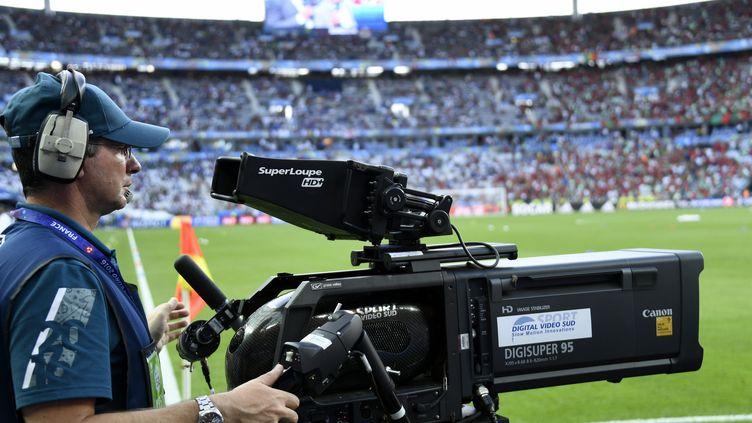 Une caméra de télévision lors de la finale de l'Euro de foot 2016. Image d'illustration. (MAXPPP)