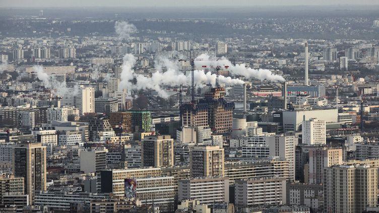 Une vue de Paris depuis la tour Montparnasse, en décembre 2019. (ALEXIS SCIARD / MAXPPP)