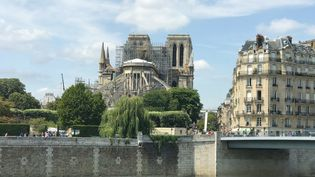 La cathédrale Notre-Dame de Paris le 15 avril 2019. (JOHANNA HOELZL / DPA / AFP)