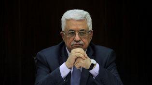 """A l'annonce de la mort de Shimon Peres, le mercredi 28 septembre, leprésident palestinien Mahmoud Abbas a salué """"un partenaire courageux pour la paix"""",et décrit l'ancien leader israélien, comme ayant""""mené des efforts soutenus et ininterrompus pour parvenir à la paix depuis Oslo et jusqu'à son dernier souffle"""". (? POOL NEW / REUTERS / X80003)"""