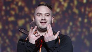 Le rappeur Jul aux Victoires de laMusique le 10 février 2017 à Paris. (THOMAS SAMSON / AFP)