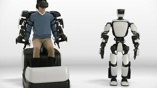 Le robot T-HR3n'est pas totalement autonome, il est piloté par un opérateur humain (Toyota)