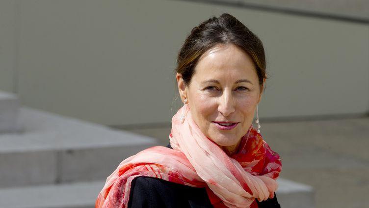 La ministre de l'Ecologie Ségolène Royal quitte l'Elysée, le 23 avril 2014. (ALAIN JOCARD / AFP)