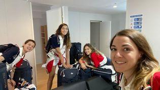 Cécilia Berder, à gauche, a quitté l'appartement qu'elle partageait au village olympique avec ses coéquipières du sabre par équipes, Sara Balzer,Manon Brunet et Charlotte Lembach. (CECILIA BERDER / RADIO FRANCE)