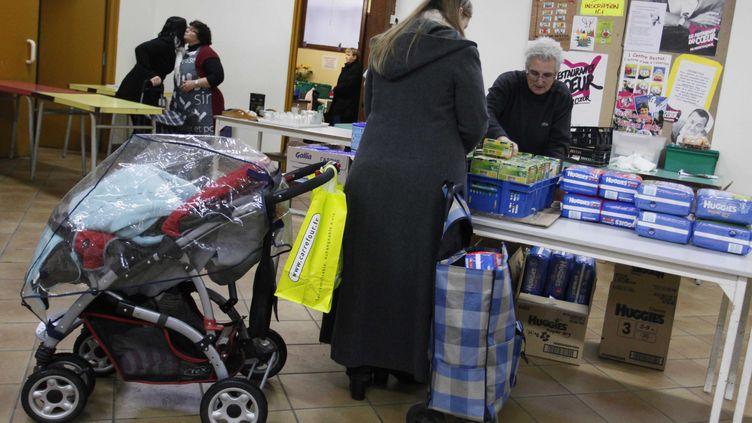Dans un centre des Restos du cœur, à Lille (Nord), le 30 novembre 2010. (BAZIZ CHIBANE / SIPA)