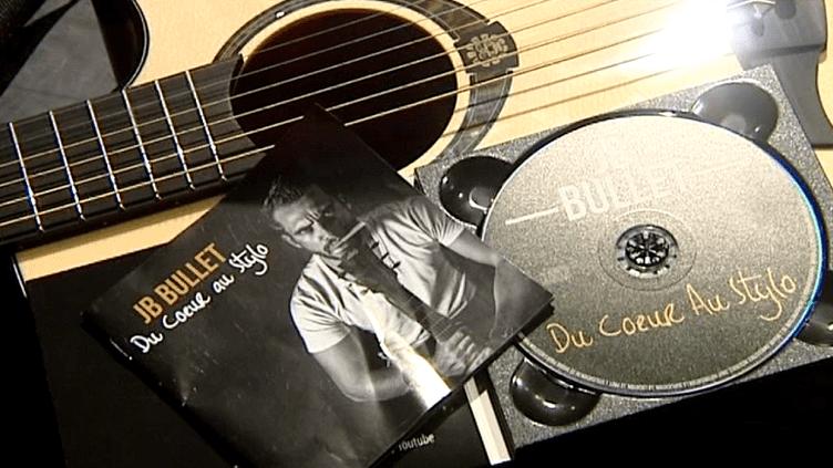 """""""Du cœur au stylo"""", premier album de JB Bullet sorti le 23 avril 2016  (Culturebox / Capture d'écran)"""