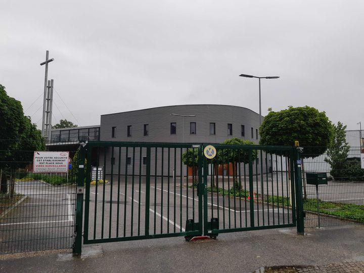 L'entrée del'Eglise de la Porte ouverte chrétienne, à Mulhouse (Haut-Rhin), le 11 mai 2020. (RAPHAEL GODET / FRANCEINFO)