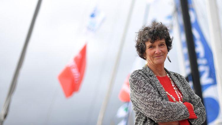 Isabelle Autissier, présidente du WWF, quelques jours avant le départ de la Route du Rhum à la voile en solitaire, le 1er novembre 2018à Saint-Malo. (LOIC VENANCE / AFP)