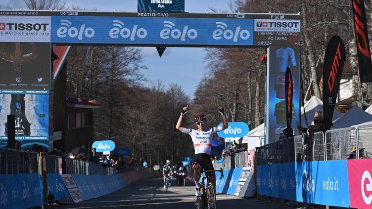 Tadej Pogacar à l'arrivée de la quatrième étape de Tirreno-Adriatico. (GIAN MATTIA D'ALBERTO - LAPRESSE/AP/SIPA / SIPA)